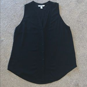 Black sleeveless Old Navy button up